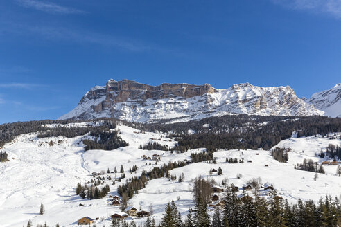 Italy, Dolomites, Alto Adige, Kreuzkofel, winter sport region Alta Badia, La Villa - MABF000212