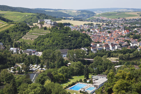 Germany, Rhineland-Palatinate, Bad Munster am Stein-Ebernburg, Ebernburg at Nahe river, open-air bath - GW002615