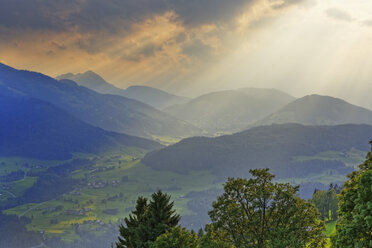 Austria, Tyrol, Kitzbuehel Alps, View from Hohe Salve to Brixen Valley near Hopfgarten - SIEF005129