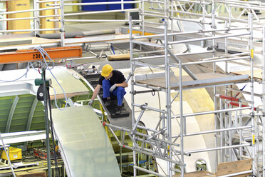 Airplane construction in a hangar - SCH000017