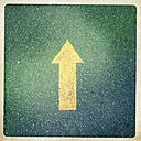 Austria, Horn, floor marking arrow - DISF000610