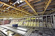 Airplane construction in a hangar - SCH000050