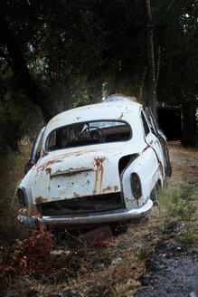Greece, Corfu, Old rusty car - AJF000022