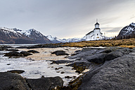Norway, Lofoten, Lonely church on the coastline of Gimsoy - STS000332