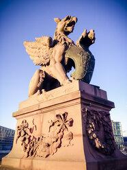 Dragon statue, Moltke Bridge, Berlin, Germany - FBF000265