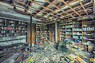 Germany, North Rhine-Westphalia, old abandoned library - HC000005
