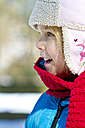 Portrait of little girl wearing winter clothing, close-up - JFE000310