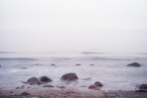 Germany, Mecklenburg-Western Pomerania, Ruegen, waterside with surf - MJF000929