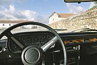 Steering wheel in old car - HC000020