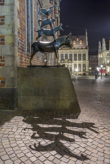 Germany, Bremen, Sculpture of the Bremen city minstrels - NKF000071