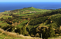 Portugal, Azores, Sao Miguel, View from Caldeira das Sete Cidades to Atlantic coast - ONF000419