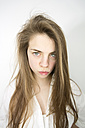 Portrait of pouting teenage girl - MAEF008180