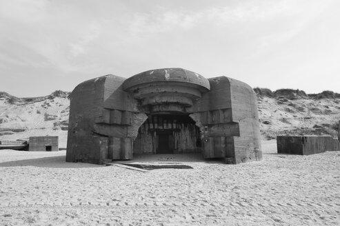 Denmark, Jutland, Lokken, Atlantic Wall bunker ruin at Lokken beach - JBF000075