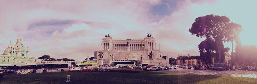 Piazza de Venezia, Rome, Italy - RIMF000163