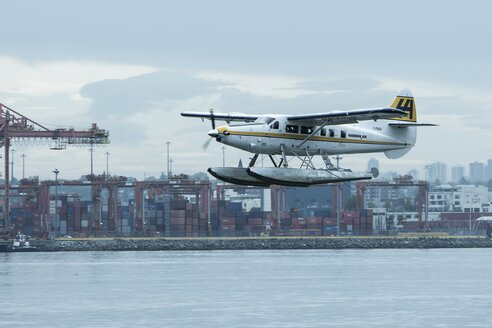 Canada, Vancouver, Water plane taking off - AM002010