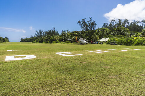 Seychelles, Northern Coral Group, Denis Island, Airstrip, DHC-6 Twin Otter 300 - WE000047