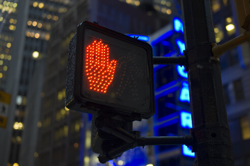 USA, New York, Manhattan, pedestrian sign with wait signal - JWAF000007