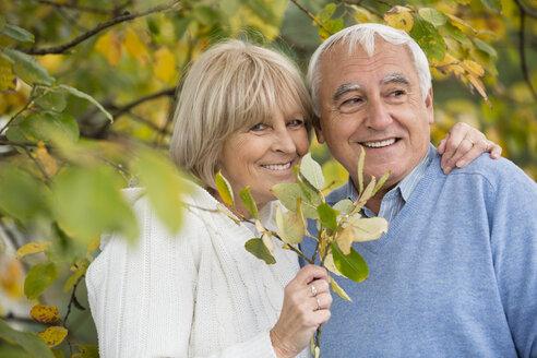 Portrait of happy senior couple - WESTF019220
