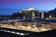 Austria, Salzburg, View over city from Kapuzinerberg towards Hohensalzburg fortress - WI000519