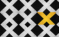 Single yellow X in between white x on black ground - CMF000091