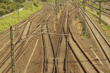 Germany, Berlin, Prenzlauer Berg, train and metro rails - FBF000293