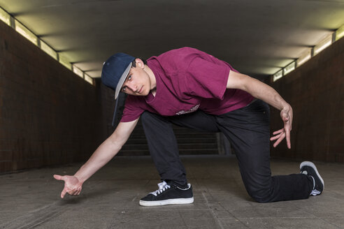 Germany, portrait of young break dancer in underpass - STS000377