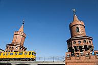 Germany, Berlin, Subway passing Oberbaumbridge - FB000303