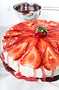 Red cake glaze dripping of strawberry cream cheese tart - CSTF000195