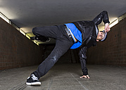Young breakdancer in underpass - STS000388