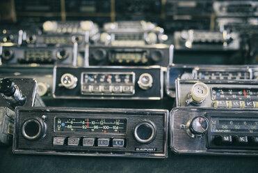 Old car radios for sale - EL000924