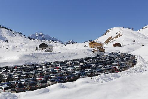 Austria, Vorarlberg, Bregenz Forest, Warth, Hochtannberg Pass, car park - SIE005220