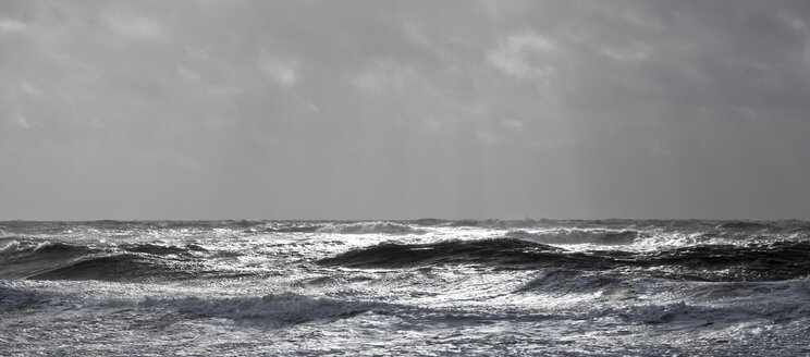 Germany, North Friesian Islands, Sylt, stormy North Sea - ATAF000056