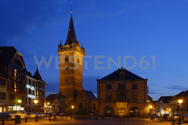 France, Alsace, Obernai, Place du Marche with Kappel tower - LB000651