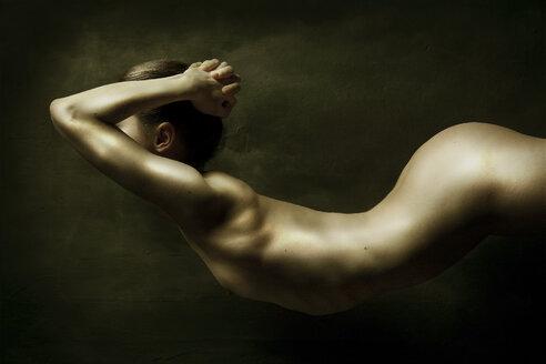 Wavelike female nude - CvK000120