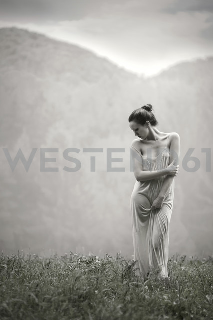 Woman with strap dress in nature - CvK000086