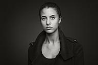 Portrait of a young woman - CvK000139