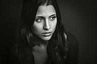 Portrait of a young woman - CvK000112