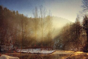 Germany, North Rhine-Westphalia, near Solingen, Wupper river in the winter at sunrise - DWIF000033
