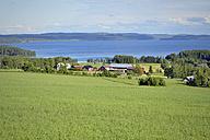 Sweden, Brunflo, Houses by the lakeside at Locknesjoen - BR000385