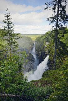 Sweden, Gaeddede, Waterfall Haellingsafallet - BR000529