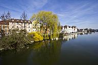 Germany, Bavaria, Landshut, houses at Isar river - YFF000088