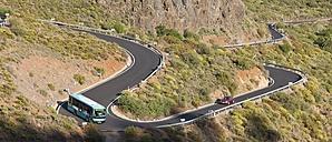 Spain, Canary Islands, Gran Canaria, Winding road near Fataga - AMF002114