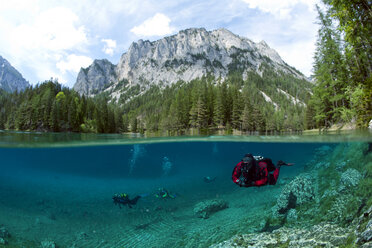 Austria, Styra, Tragoess, Green Lake, Divers - YRF000040