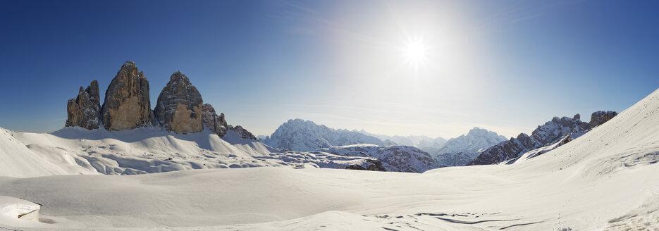 Italy, Alto Adige, Sexten Dolomites, Hochpuster Valley, Tre Cime di Lavaredo against the sun - GFF000435