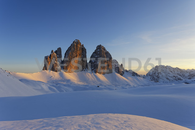Italy, Alto Adige, Sexten Dolomites, Hochpuster Valley, Tre Cime di Lavaredo in the evening - GFF000439