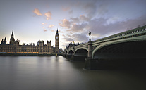 UK, London, Big Ben and Houses of Parliament at River Thames - STCF000004