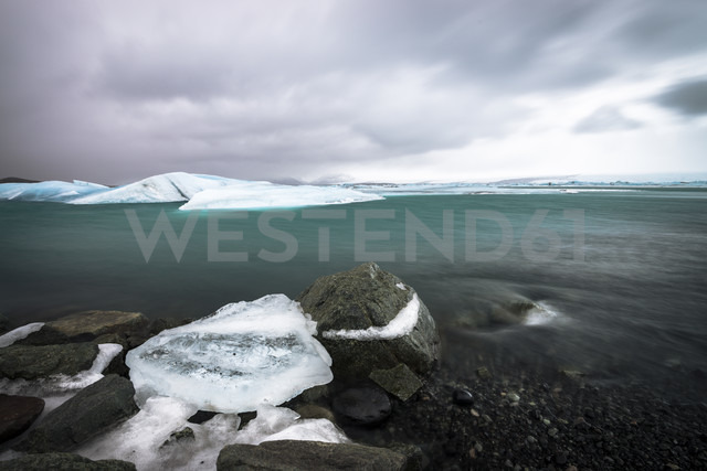 Iceland, Ice at the glacier lake  of Jokurlsarlon - STCF000026