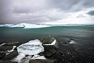 Iceland, Ice at the glacier lake  of Jokurlsarlon - STCF000026