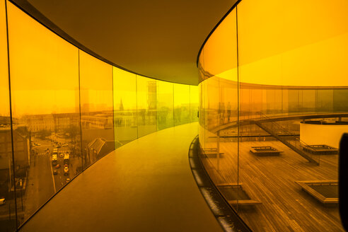 Denmark, Aarhus, colourful path on the roof of art museum ARoS - WE000062