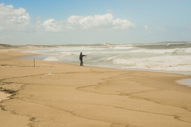 Australia, New South Wales, Woromi Conservation Lands, man fishing in the ocean - FB000362